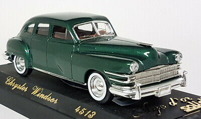 Solido-1-43-Scale-4513-Chrysler-Windsor-Dark